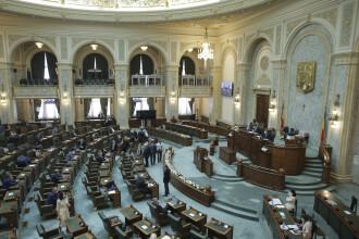 """Comisia juridică din Senat a amânat inițiativa cetățenească """"Fără penali în funcții publice"""""""