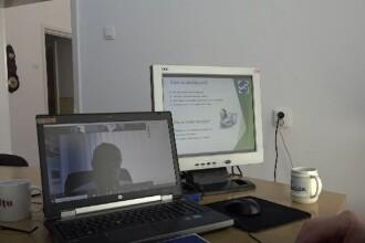 Profesorii și părinții se pregătesc pentru cursuri online și din toamnă