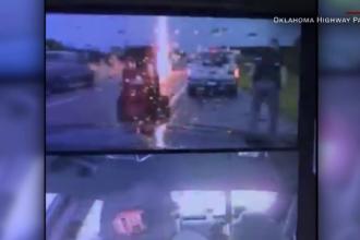 A avut zile. Un polițist a scăpat cu viață după ce un trăsnet a lovit la câțiva metri de el