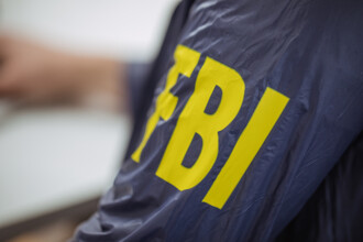 Anchetă FBI, după ce un pilot de avion a spus că a trecut pe lângă un om care zbura