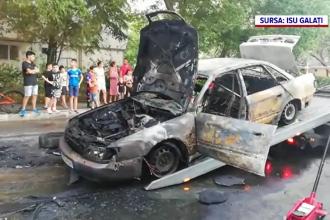 Incendiu violent în Galați. O mașină a luat foc, iar căldura degajată a avariat alte patru autoturisme