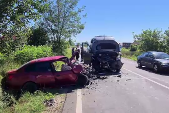 Cinci răniți într-un accident rutier, joi, la ieșirea din Bacău către Oneşti