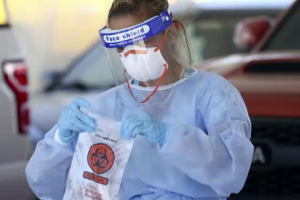 Avertisment dur al OMS: E foarte puţin probabil ca virusul să fie eradicat
