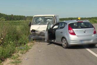 Accident grav în Dâmbovița. Cinci oameni au fost răniți după ce mașinile în care se aflau s-au izbit frontal