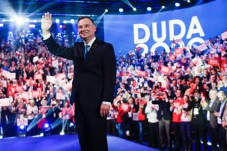 Andrzej Duda a câștigat la limită alegerile în Polonia și rămâne președintele țării
