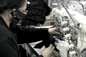 Sclavie modernă într-o fabrică de textile din Marea Britanie. Condițiile în care lucrează zece mii de oameni
