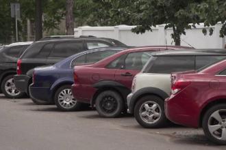 Rețea de trafic internațional de mașini furate, eliminată de poliție. Un jandarm era implicat