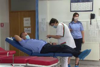 Jandarmii au donat sânge la Bistrița. Ce vor face cu bonurile primite