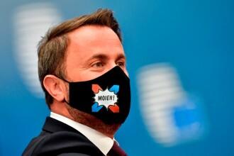 Summit UE la Bruxelles. Distanțare socială, măști sanitare personalizate și saluturi inedite