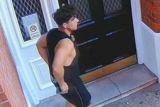 Un bărbat a defecat la ușa unui bloc de lux din Londra. Cum au reacționat locatarii