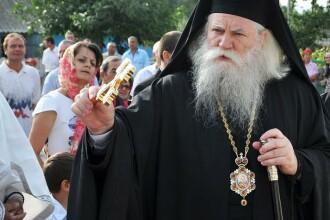ÎPS Calinic le-a interzis preoților din Suceava să mai ceară de la credincioși bani pentru serviciile religioase