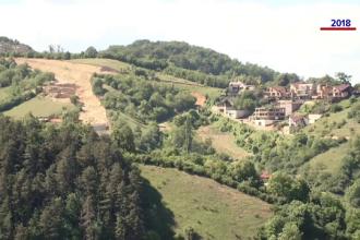 Doi dezvoltatori imobiliari din Braşov au distrus un deal ca să construiască un ansamblu rezidenţial