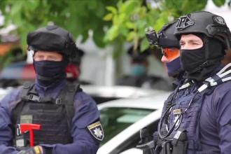 Criza ostaticilor din Ucraina s-a încheiat prin intervenția bizară a președintelui Zelenski