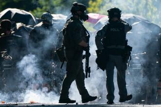 Protestele antirasism iau amploare în SUA. Manifestații violente în mai multe orașe