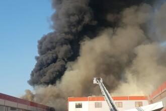 Incendiu puternic la 2 hale din Bragadiru. A fost emis un mesaj RO-Alert