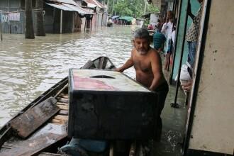 Dezastru provocat de inundații. Un sfert din teritoriul unei țări se află sub ape