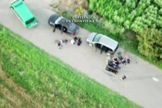 Doi români, prinși în timp ce urcau în mașină opt migranți intrați ilegal în țară