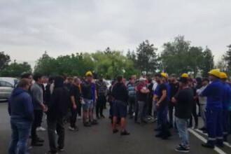 """Proteste la Petromidia. Angajații se plâng de condițiile de muncă: """"Nu ni se plătește nimica, nu suntem în siguranță"""""""