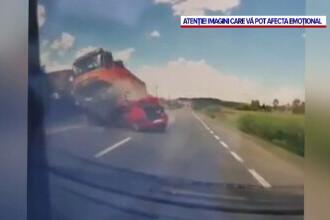 Momentul in care o familie este spulberata de un camion in Cluj, surprins de o camera de bord