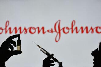 FDA: Vaccinarea cu serul anti-COVID Johnson & Johnson aduce riscul dezvoltării unei afecţiuni neurologice rare