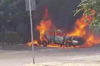 Incendiu devastator în Oradea. O mașină a ars ca o torță