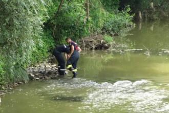 """Moartea misterioasă a doi tineri, găsiți în apele râului Lăpuș. """"Dacă era înecată era mai umflată, dar nu pare"""""""