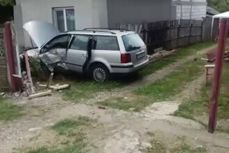O tânără de 16 ani a fost rănită, după ce 2 mașini s-au ciocnit violent
