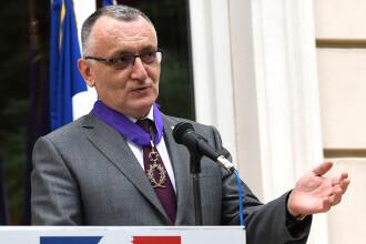 Plângere penală împotriva ministrului Sorin Cîmpeanu, depusă de asociații ale elevilor. Replica ministrului