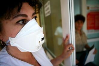 Un roman bolnav de gripa noua, internat in stare grava la Genova