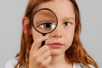 Joaca in aer liber scade riscul de miopie la copii!
