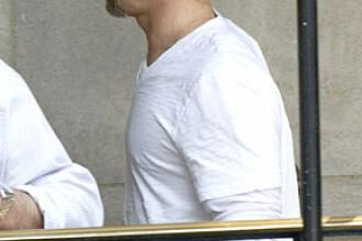 Brad Pitt si-a cumparat o pictura de aproape un milion de dolari