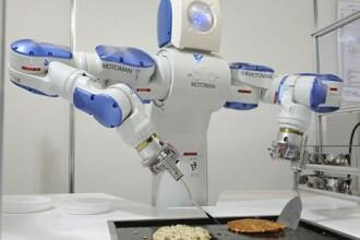 Robotii japonezi cuceresc restaurantele din Tokyo!
