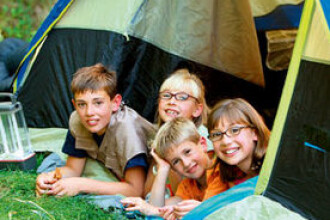Elevii si studentii vor avea 65.000 de locuri disponibil in tabere