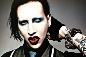 Marilyn Manson se drogheaza doar cand e fericit!
