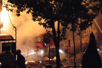Cladirea de langa Biserica Armeneasca a ars: pedeapsa de la Dumnezeu?
