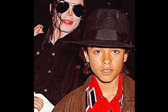 SOC! Documente secrete despre Michael Jackson, facute publice de FBI