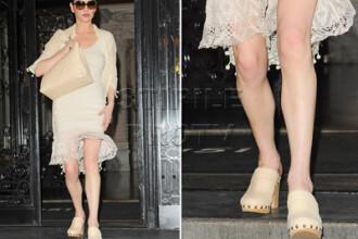 Catherine Zeta-Jones are tocurile pantofilor mai groase decat picioarele