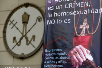 Adolescent roman arestat in Italia, pentru santajarea unui preot homosexual