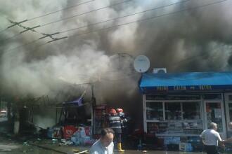 Incendiu puternic in piata Resita din Capitala. Patru persoane, in spital