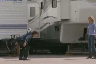 Tom Cruise si Cameron Diaz dau bine cu piciorul… in minge! VIDEO