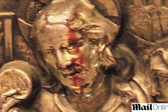 Curge sange din chipul lui Isus, in Argentina! Facatura sau minune?