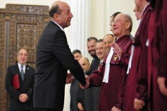 Constitutia lui Traian Basescu este ... neconstitutionala. O spun chiar judecatorii CC