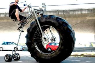 Tricicleta monstru. Are 450 de kilograme si este vedeta pe internet