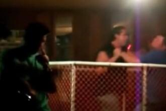 KO la karaoke! Bataie cu cantec intr-un bar! VEZI VIDEO