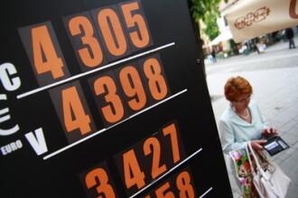 Euro = 4,36 lei. Un nou maxim istoric, pentru a treia zi consecutiv