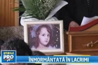 Ea e fetita care a murit in piscina din Oradea. Imagini surprinse de un amator in momentul tragediei