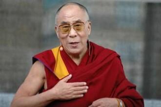 Dalai Lama a fost internat în spital. Are o infecție în piept