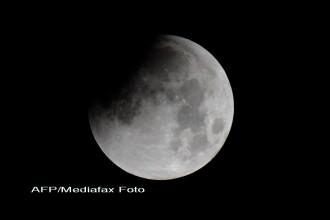 Oamenii de stiinta rusi: Pamantul ar putea ramane fara luna. Care vor fi efectele