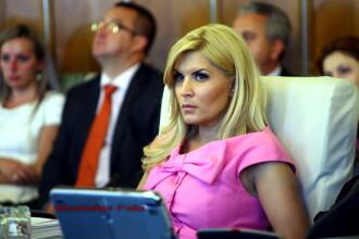 Elena Udrea nu a fost apta sa doneze sange. Funeriu a dat 450 de ml si a primit bonuri de masa