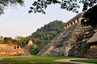 365 de zile pana la sfarsitul lumii imaginat de mayasi. Cum fac mexicanii bani din Apocalipsa